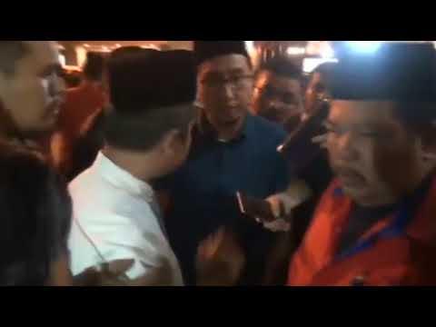 KECOH - Ahli Pemuda UMNO dihalau oleh Ahli UMNO di PWTC