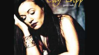 Elly Lapp - Die blauen Husaren - ( Titelsong aus  Kir Royal ).wmv