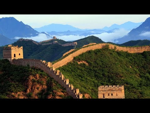 Incredible! Australian girl with cerebral palsy climbs Great Wall