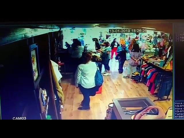 Así robó una mechera en un local céntrico de Carlos Paz