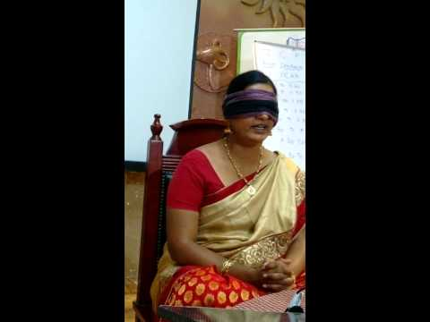 Memory Expert R Vijaya Saraswathy LIVE PERFORMANCE IN FRONT OF AUDIENCE AT BELL HOTEL