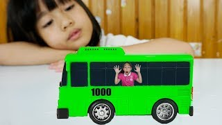 LaLa Kids TV learn colors with The Wheels on The Bus Nursery Rhymes Song for kids