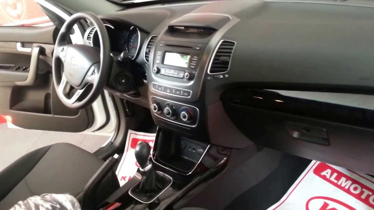 Kia Sorento Lx >> Interior Kia Sorento 2014 video versión Colombia - YouTube