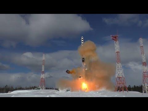 """Минобороны показало испытания тяжелой межконтинентальной баллистической ракеты """"Сармат"""""""