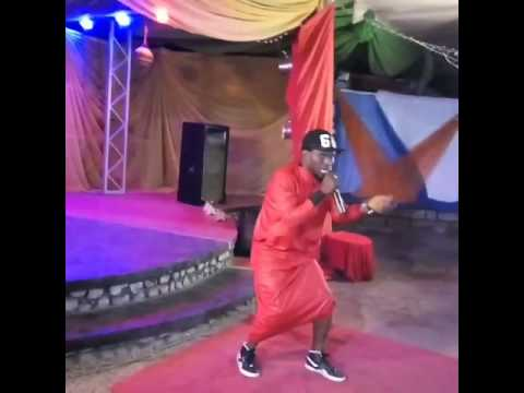 Hazy D-star performed live @ dabo TV center in kano on 13th October 2016.turn up was massive...