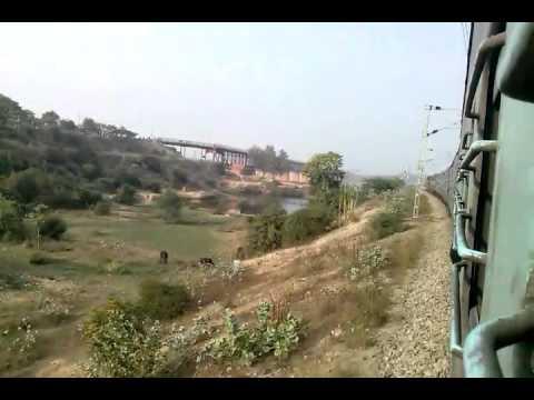 22103 LTT-Faizabad Superfast Express Crossing Ganga River