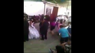Когда на свадьбу подарили шкаф, танец со шкафом, из This is Хорошо