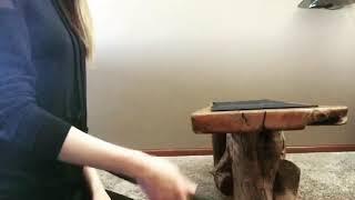 Девушка и нож