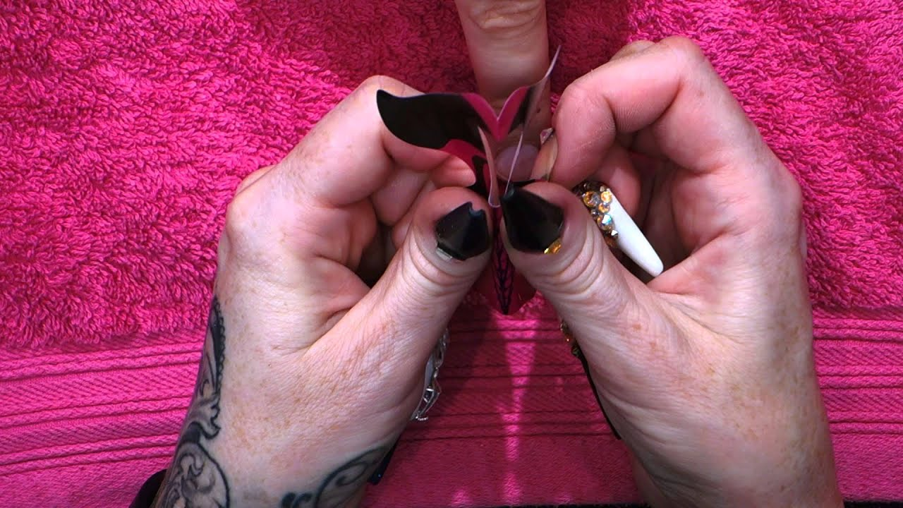 How to apply a nail form - Kirsty Meakin - Naio Nails - YouTube