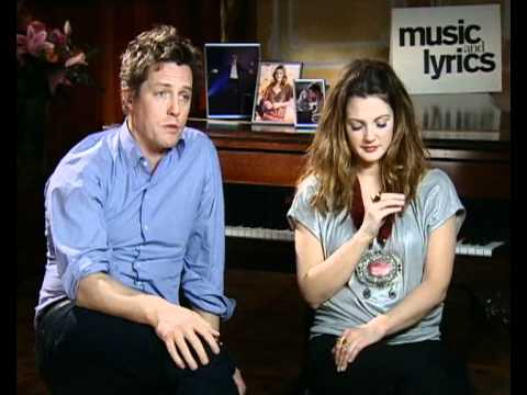 Hugh Grant and Drew Barrymore talking about singing in Music and Lyrics