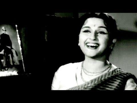 Cham Cham Baaje Payaliyan - Lata Mangeshkar, Ghunghat Song