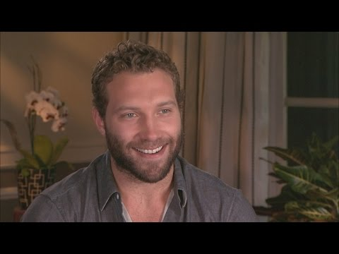 'Insurgent' Star Jai Courtney Has a 'Tumultuous Relationship' With Theo James