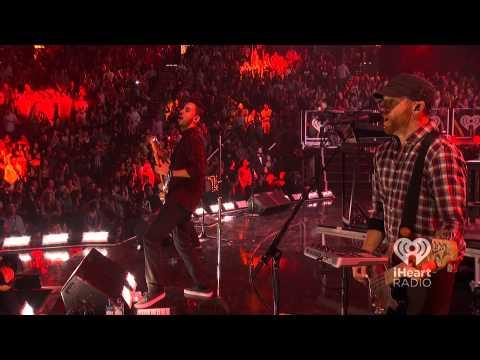 Linkin Park Live - Lost In The Echo iHeart Radio Music Festival 2012 [HD]