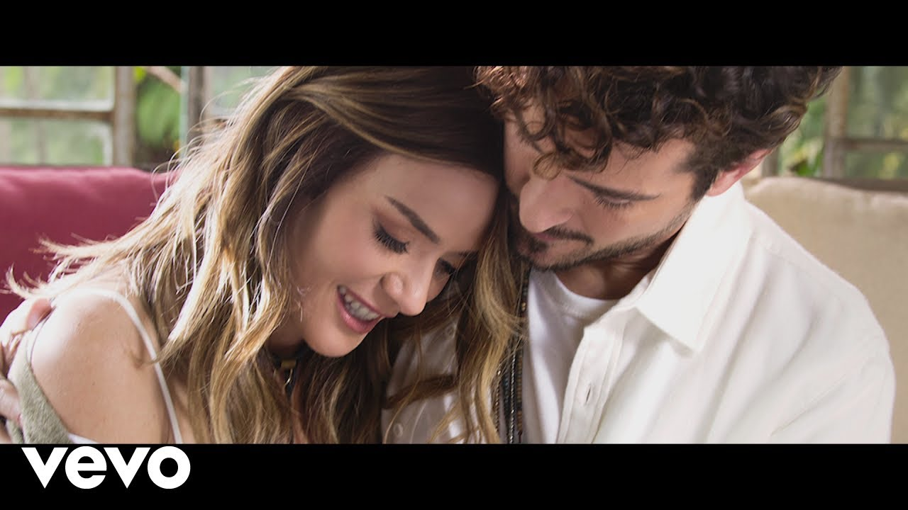 Kany García, Tommy Torres - Quédate (Official Video)
