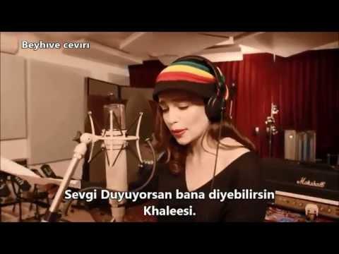 Game of Thrones - Müzikal - Emilia Clarke (Türkçe Altyazılı) HD
