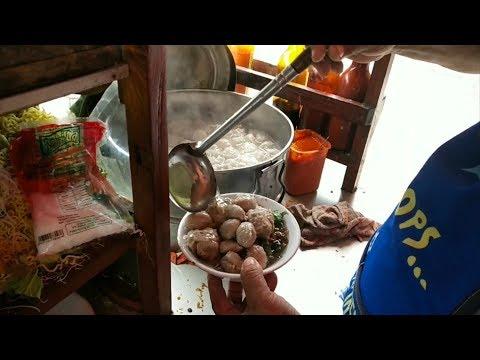 Per Porsi 20 Ribu Semangkok Penuh‼️   Bakso Sapi Pak Nok Kelapa Gading - Meat Ball