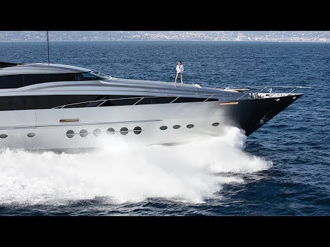 SUPERYACHT LIFESTYLE WITH 209 MARE LUXURY BEACHWEAR
