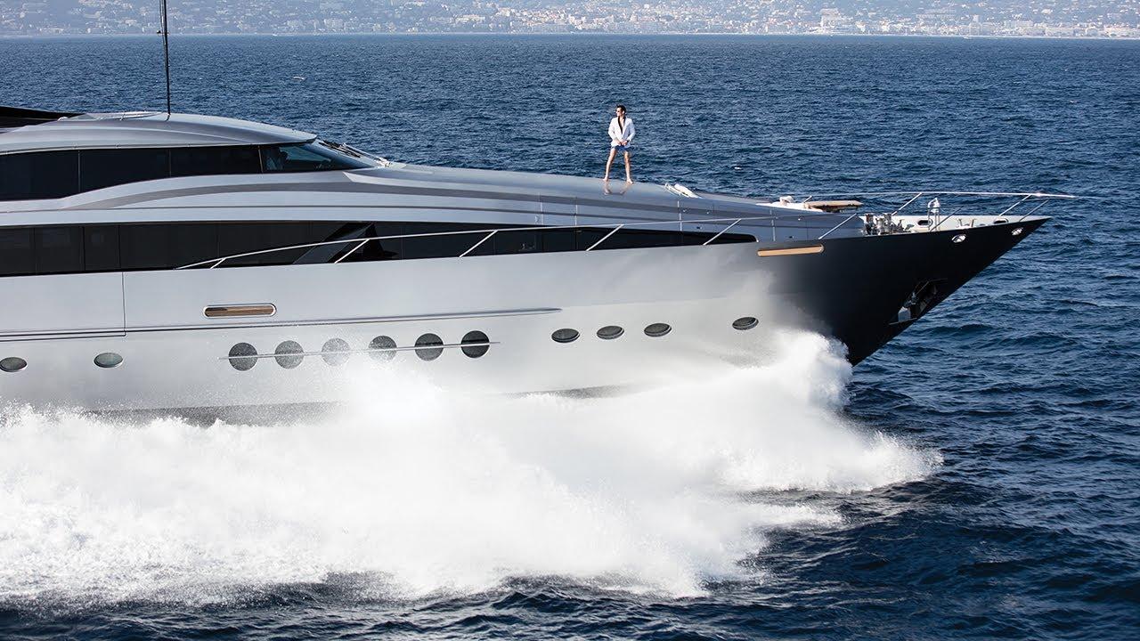 Superyacht Lifestyle With 209 Mare Luxury Beachwear