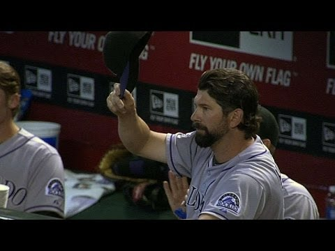 COL@ARI: D-backs and fans honor Helton