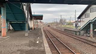JR北海道釧網本線清里町駅に到着ー発車するキハ54系。