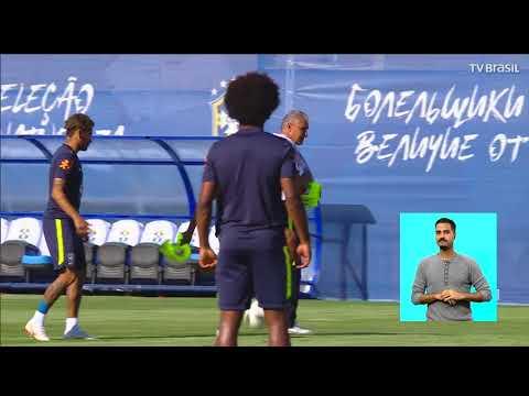 Seleção brasileira viaja para o local da estreia na Copa do Mundo