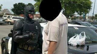 Cop Dressed as Batman Busts Man Stealing 'The LEGO Batman Movie': Cops thumbnail