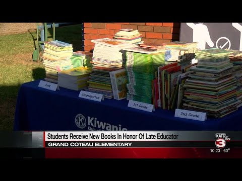 Grand Coteau Elementary School receives book donation;