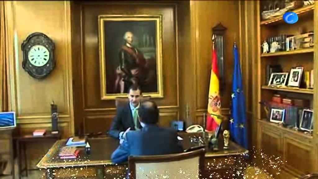 El nuevo rey redecora el despacho cambio de fotos - Despacho en el salon ...