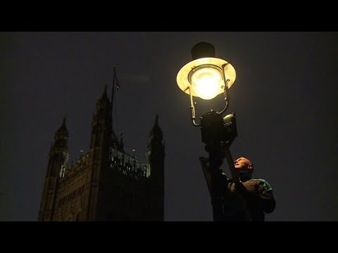 Disappearing jobs: A London lamplighter