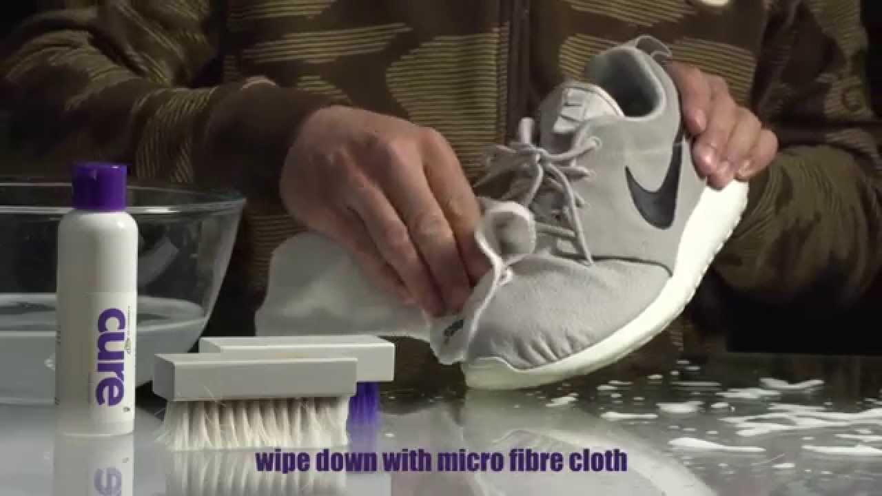 wholesale dealer 6f75f 9b740 Crep Protect CURE - How to Clean  Roshe vs. Dirt - YouTube