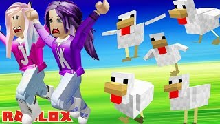 DON'T GET EATEN BY CHICKENS! 🐔 / BAWK BAWK BATTLES CHALLENGE ON ROBLOX!