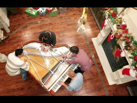 Angels We Have Heard on High (Christmas w/ 32 fingers and 8 thumbs) - The Piano Guys