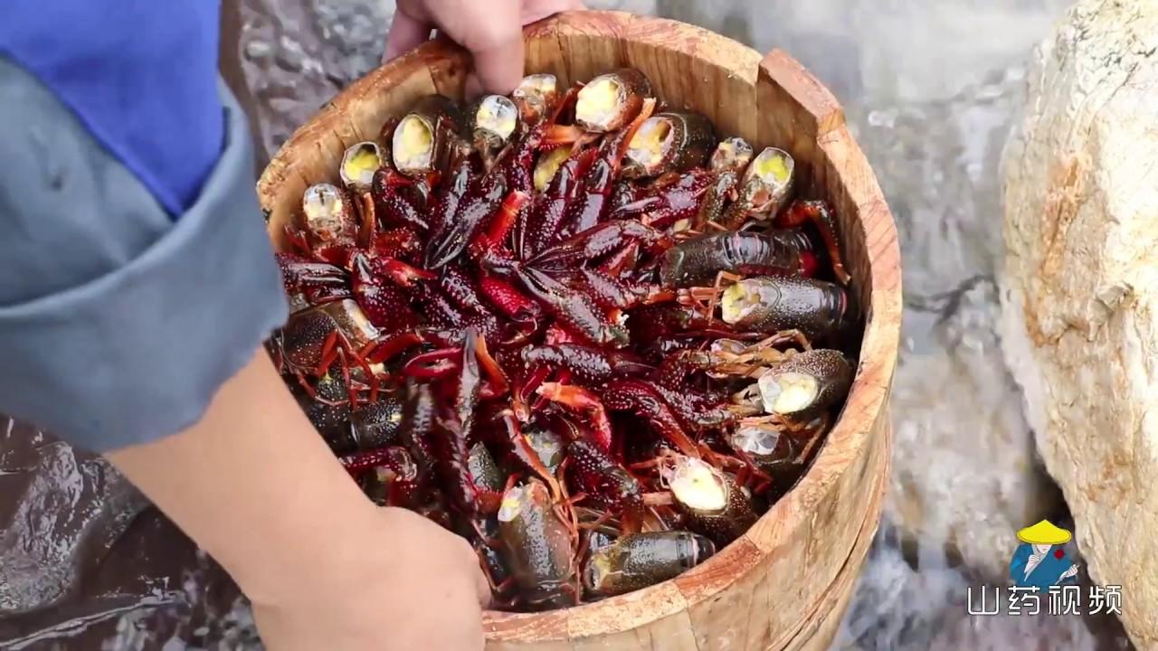 小龙虾10斤,木桶1个,这种做法,真够绝了