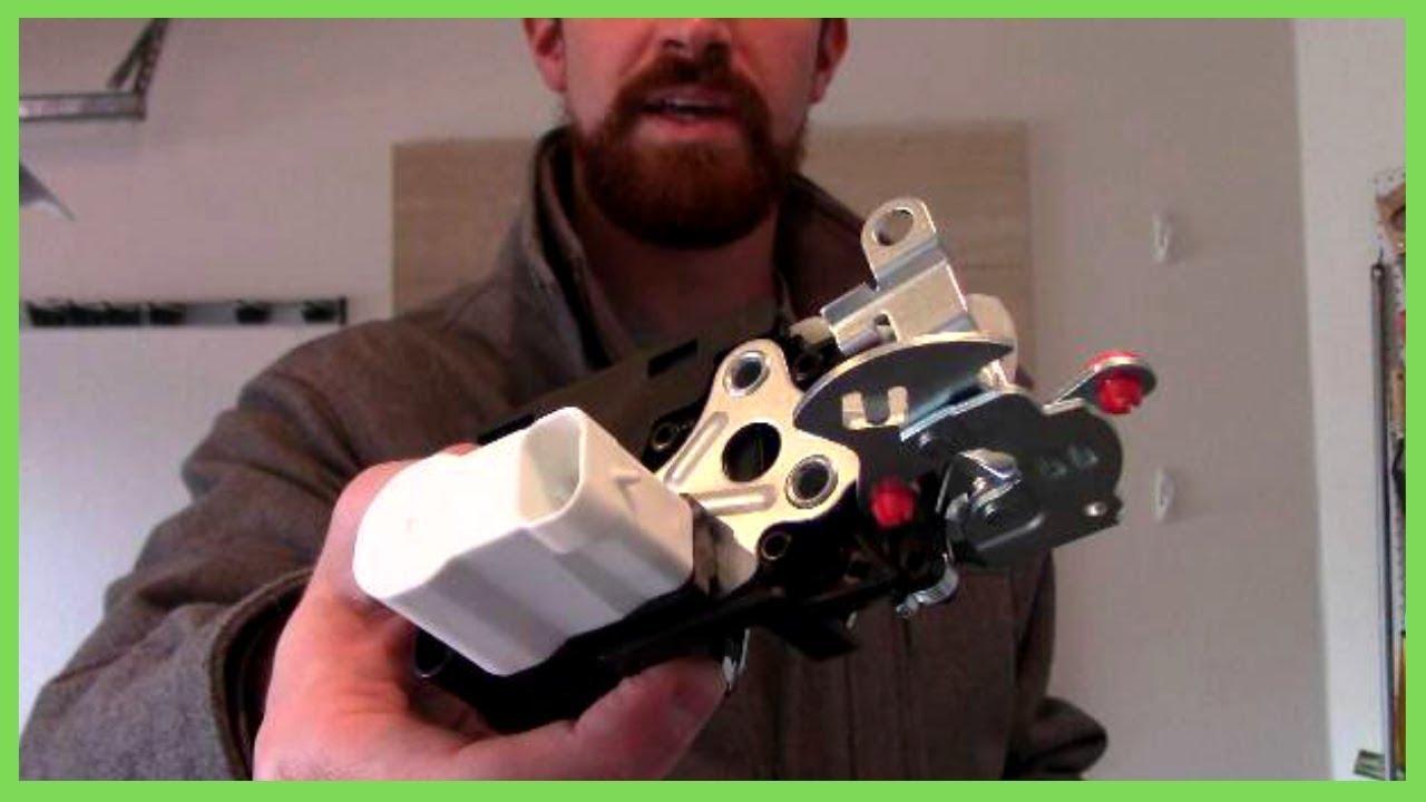 Removing Rear Liftgate Trim Panel Chevy Trailblazer Ext 2002 Manually Unlocking Liftgate Youtube