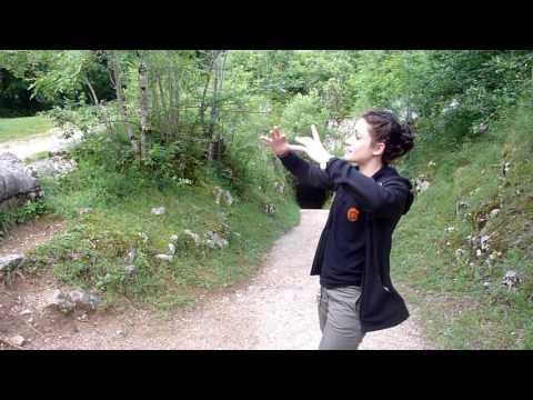 Grottes du Cerdon  Andréa présente le site