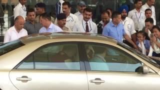 hh dalai lama arriving to dharamsala