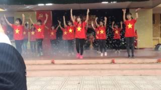 Dân Vũ Những Trái Tim Việt Nam - Chi Đoàn 10a1 - THPT Phong Châu (Ngoại Khoá Mừng Đảng Mừng Xuân)