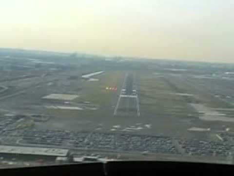 Landing Newark Airport Cockpit View Runway 22L EWR - YouTube