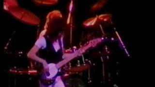 Gambar cover Queen - You're My Best Friend (Live at Earls Court 1977)