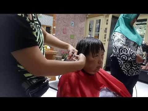 Haircutting shaggy short hair for women