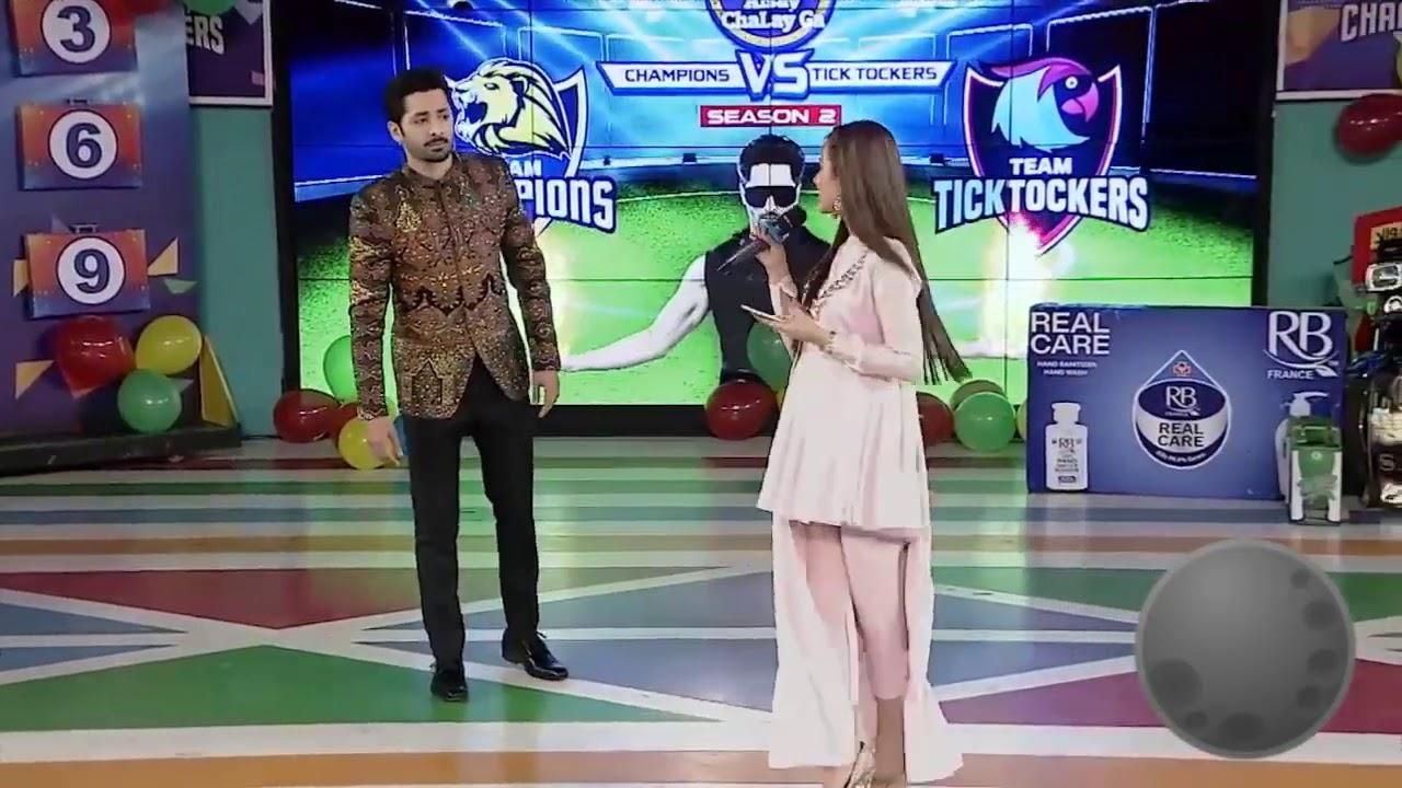 "Download Rabeeca Khan singing ""Zara dholki bajao"" song in Game show aisay chalay ga"