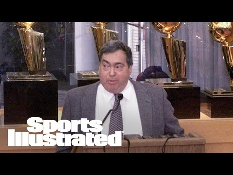 Former Chicago Bulls GM Jerry Krause Dies At 77 | SI Wire | Sports Illustrated