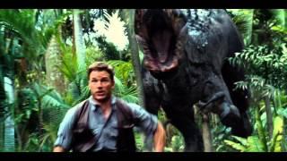 Jurassic World scene: Genetically-modified T-Rex tries to kill Chris Pratt