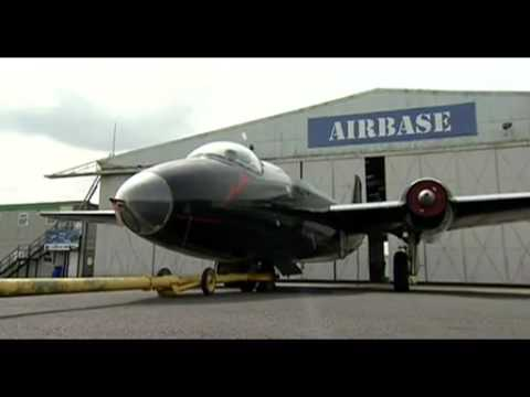 Historic Canberra WK163 jet bomber to be restored to flight.