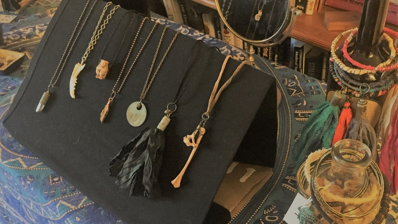 CHEAP & EASY Jewelry Display DIY For Necklaces and Tassels ...