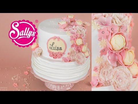 Tauftorte zweistöckig mit Blumen / fruchtige Fondant Torte / Sallys Welt