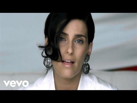 Nelly Furtado - Manos Al Aire (Official Music Video)