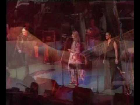 Maddy Prior (with June Tabor) - Doffing Mistress (Live)