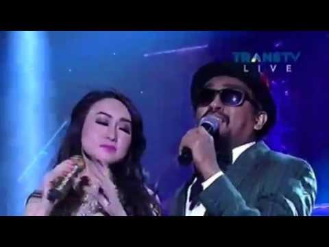 Ada Apa Dengan Cinta - Glenn Fredly & Angela July (LIVE)