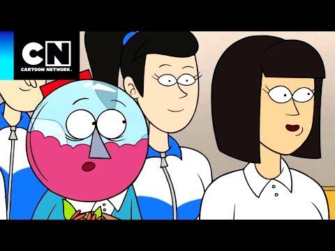 Benson en China | Un Show Más | Memorias de Skips | Cartoon Network